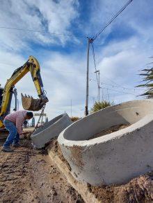 Ampliación de red cloacal en Costanera y Barranca de los Lobos